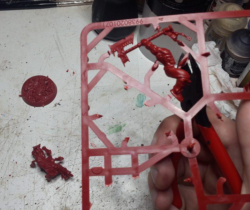 Préparation de la figurine - Dégrappage