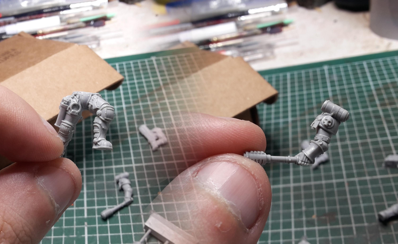 Les détails de la figurine